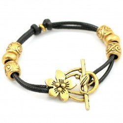 Adjustable bracelet with flower clasp