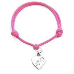 Clues in the heart bracelet with string