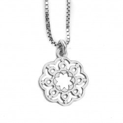 Silver chain with pendant flower