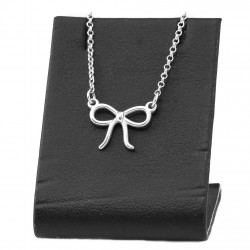 Silver necklace with bow