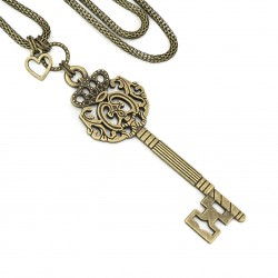 Long chain pendants key and heart