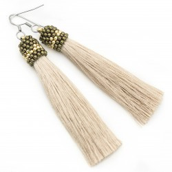 Earrings beige tassel