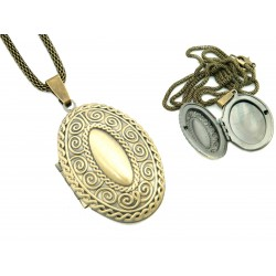 Oval secretary necklace